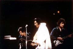 Elvis Presley Opening Show Madison Square Garden June9th 1972-05.jpg