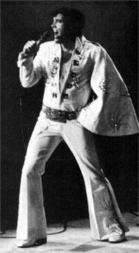Elvis Presley Opening Show Madison Square Garden June9th 1972-10.jpg