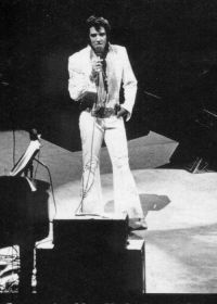 Elvis Presley Opening Show Madison Square Garden June9th 1972-45.jpg