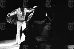 Elvis Presley Opening Show Madison Square Garden June9th 1972-60.jpg