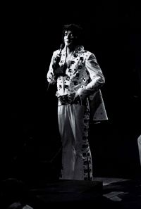 Elvis Presley Evening Show Madison Square Garden June10th 08.jpg